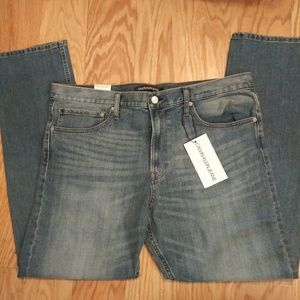 NWT. Mens Calvin Klein jeans. Sz 38x32